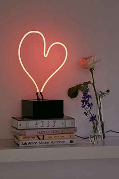 Heart Neon Table Lamp from Urban Outfitters. Shop more products from Urban Outfitters on Wanelo. Interior Pastel, Simple Interior, Interior Design Tips, Design Ideas, Modern Interior, Cosy Interior, Interior Sketch, Classic Interior, Design Interiors