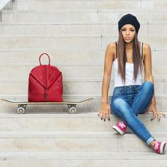 Fii mereu pregatita pentru distractie! Descopera rucsacul DiAmanti Zanella - super practic si super fun!💕👉diamanti.ro••••#diamantibags #diamantilookbook #backpacker #summerfun #fashioninspo #styleinspo #instafashion Drawstring Backpack, Baby Strollers, Backpacks, Bags, Instagram, Style, Fashion, Baby Prams, Handbags