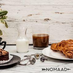Le réveil parfait, croissant et bijoux :) Croissant, Parfait, Panna Cotta, Ethnic Recipes, Food, Jewels, Dulce De Leche, Meal, Essen