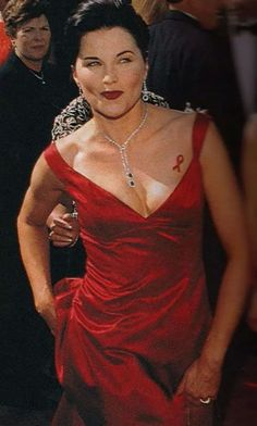 Filles Punk Rock, Lucy Lawless, Cool Tones, Lady In Red, Formal Dresses, Celebrities, Nerd, Coloring, Women