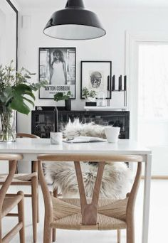 Shop of the Hans Wegner Wishbone Chair ( by Carl Hansen at Smart Furniture. Home Design, Home Interior Design, Interior Styling, Interior Decorating, Clean Design, Modern Interior, Modern Furniture, Dining Room Inspiration, Home Decor Inspiration