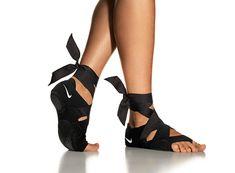 Nike Studio Wrap, the perfect way to enhance a yoga, pilates or barre workout. Keeps feet hygienic.