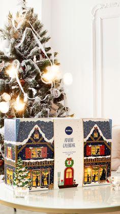 Christmas Deco, Christmas Tree, Polaroid Pictures, Dream Life, Advent Calendar, Holiday Decor, Diy, Random, Girls
