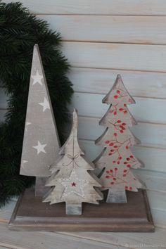 Christmas Decor Diy Cheap, Homemade Christmas Tree, Wooden Christmas Decorations, Christmas Arts And Crafts, Christmas Tree Crafts, Christmas Wood, Christmas Projects, Holiday Crafts, Christmas Ornaments