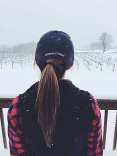 Vineyard vines baseball cap and plaid. Preppy even in the snow. Outfits With Hats, Preppy Outfits, Preppy Style, Winter Outfits, Cute Outfits, My Style, Preppy Clothes, Teen Outfits, Country Outfits