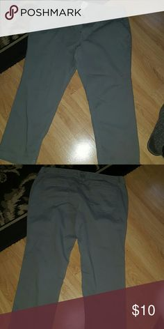 Sz 17 SO gray capris worn only once Sz 17 SO gray capris worn only once SO Pants Capris