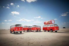 """""""Get That Festival Feeling"""" ist der Claim einer nicht ganz alltäglichen Kampagne, die der Verbrauchsgüter-Konzern Procter&Gamble in diesem Sommer für Pringles startet. Als Hauptmotiv, für die Werbeaktion hat das Unternehmen sich den Volkswagen Bulli ausgesucht."""