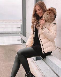 Winter Jackets Women, Puffer Jackets, Cold Weather, Parka, Hoods, Fur, Womens Fashion, Beauty, Watch