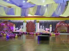 """A Whole New World"" - Aladdin theme high school Homecoming dance. Decorations were all built by students."