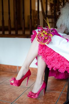 Petticoats- black for bridesmaids, colour for me?