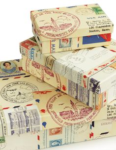 Geschenkverpackungen mit alten Briefmarken - Handmade Boxes covered in postage stamps and travel prints. How To Make Paper, Crafts To Make, Diy Crafts, Postage Stamp Art, Going Postal, Envelope Art, Vintage Stamps, Decoupage, Diy Box