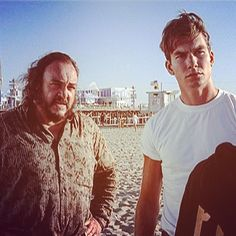 "Gefällt 71 Mal, 4 Kommentare - SLiDERS DiMENSiON (@slidersdimension) auf Instagram: ""The Professor (John Rhys-Davies) and Quinn (Jerry O'Connell) near the Santa Monica pier & the…"""