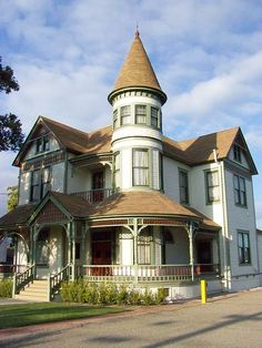 Woelke-Stoffle House - Old Victorian home, Anaheim, CA by giddygirlie, via Flickr (yay turret!)