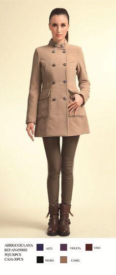 Echa un vistazo a este producto en yohago.com:  Chaqueta lana entallada botones