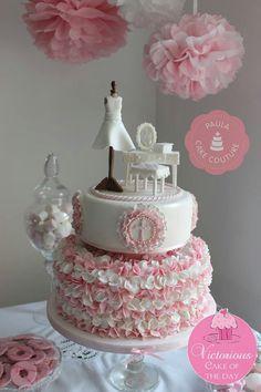 Shabby chic cake minus the stuff on top.  Super love the bottom!!!
