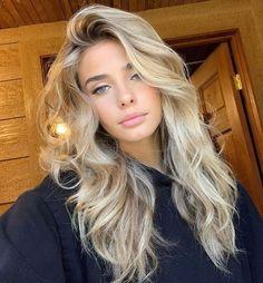 Beauté Blonde, Blonde Hair Shades, Blonde Hair Looks, Blonde Hair With Highlights, Brown Blonde Hair, Hair Color Balayage, Blonde Balayage, Beachy Blonde Hair, Blonde Hair Makeup
