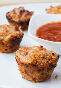 9. Quinoa Pizza Bites #greatist http://greatist.com/eat/pasta-sauce-recipes-so-the-jar-doesnt-go-to-waste