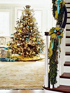 Green, Turquoise, Copper - Beautiful. Although I'm totally for a tree with all different kinds of ornaments, but I just love this!
