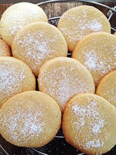 Vanilla Snap Biscuits butter, roughly chopped caster sugar 1 teaspoons vanilla extract plain flour 1 egg 1 egg yolk icing sugar, to serve Thermomix Bread, Biscuit Cookies, Christmas Cooking, Mini Desserts, Everyday Food, Yummy Treats, Cookie Recipes, Biscuits, Bakery