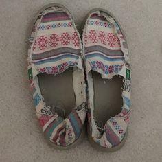 Sanuk Tribal Print Shoes Good condition. Lightly worn. Sanuk Shoes Sandals