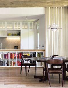 PADDINGTON VILLA | alwill  #interiors #diningroom #kitchen #bookshelf #curtains