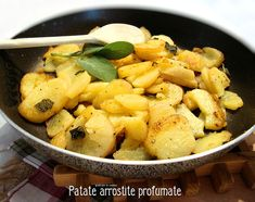 Patate arrostite profumate http://blog.giallozafferano.it/graficareincucina/patate-arrostite-profumate/