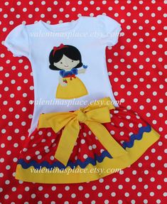 Adorable Snow White princess skirt and shirt set. This outfit would be perfect for your dream trip to Disney or your little girl Minnie Mouse