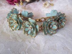 Vintage+Blue+Enameled+Flower+Bracelet+Rhinestone+by+EstateFinds4U2,+$12.50