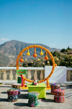 Desi Wedding Decor, Wedding Stage Decorations, Backdrop Decorations, Festival Decorations, Wedding Ideas, Wedding Planning, Wedding Mandap, Wedding Props, Wedding Story