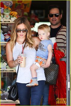 Hilary Duff & Mike Comrie: Father's Day Weekend with Luca! | hilary duff fathers day weekend mike comrie baby luca 01 - Photo