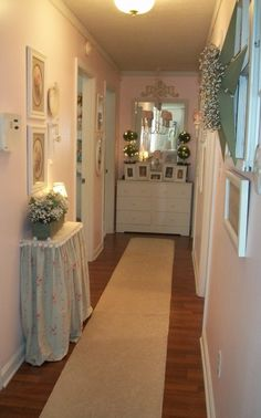 ~Cottage Chic Hall~ Like the furniture at the end of the hall