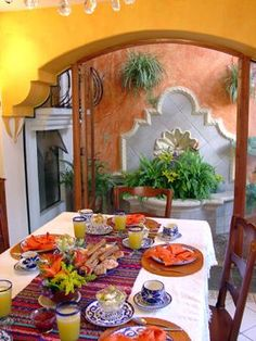 Home Decoration Design Ideas Mexican Style Homes, Mexican Style Kitchens, Mexican Home Decor, Spanish Style Homes, Spanish House, Spanish Revival, Spanish Colonial, Farmhouse Dining Room Table, Dining Room Table Decor