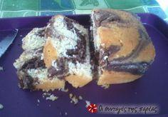 Ένα από τα πιο νόστιμα, αφράτα, αλλά και εμφανίσιμα κέικ που έχω φτιάξει! Από την Αργυρώ Μπαρμπαρίγου. Greek Desserts, Greek Recipes, Brownie Cupcakes, Cupcake Cakes, Spanakopita, Kakao, Healthy Recipes, Healthy Food, French Toast