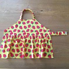 型紙なし・着脱簡単・可愛いイチゴのキッズエプロンの作り方