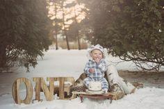 Baby first birthday winter smash cakes 38 super Ideas First Birthday Winter, Winter Wonderland Birthday, One Year Birthday, Baby Boy 1st Birthday, Birthday Girl Pictures, First Birthday Photos, Outdoor Cake Smash, One Year Pictures, 1st Birthday Photoshoot