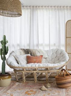 36 Amazing Papasan Chair Design Ideas For Your Living Room Boho Living Room, Living Room Chairs, Living Room Decor, Bedroom Decor, Bohemian Living, Bedroom Ideas, Dining Chairs, Bedroom Couch, Bedroom Armchair