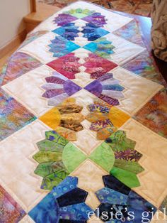 elsie's girl: batik Dresden table runner - free pattern review  could be good cq  embroidery pattern as well