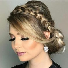 26 Ideas wedding hairstyles short updo hairdos in 2020 Short Wedding Hair, Wedding Hair And Makeup, Hair Makeup, Wedding Nails, Wedding Bride, Beauty Makeup, Wedding Day, Hair Beauty, Wedding Dresses