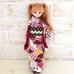 こんにちは!ドール服の通販ショップ「りんごぽん」です。「浴衣の作り方はわかった!」「でも、お正月や七五三などにむけて着物がほしい!」「気軽に着物を作ってみたい!」そのような方に楽しんでいただけるといいなあと思い、着物の作り方をご説明したいと思います。 Kimono Sewing Pattern, Sewing Patterns, Sewing Ideas, Barbie Dress, Crafts For Kids, Cold Shoulder Dress, High Neck Dress, Short Sleeve Dresses, Dolls