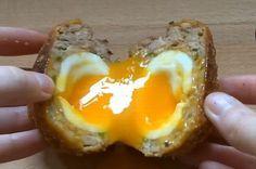 Jajka po szwedzku to śniadaniowy hit. Polki są zachwycone: Niebo w gębie