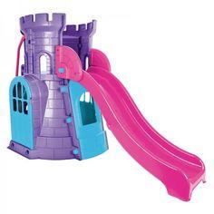 Castle Slide include: un castel; un tobogan cu protecții laterale înalte pentru siguranță,o scară pentru cățărat în castel. Dimensiuni: 233.5cm L x 117.5cm l x 146cm h Produsele se pot comanda direct pe site, la telefon 0734 000 112 sau prin e-mail  la comenzi@dmkids.ro . Slide