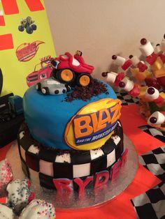 Blaze and the Monster Machines Cake Torta Blaze, Blaze Cakes, Blaze Monster Machine, Blaze And The Monster Machines Cake, Monster Truck Birthday, Monster Trucks, 5th Birthday Party Ideas, 3rd Birthday, Blaze Birthday Cake