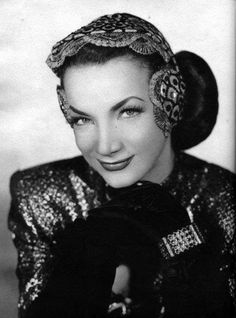 Classic Brazilian Bombshell - Glamorous Photos of Young Carmen Miranda in the and Hollywood Fashion, Old Hollywood Glamour, Golden Age Of Hollywood, Vintage Hollywood, Hollywood Stars, Classic Hollywood, 40s Fashion, Fashion History, Carmen Miranda