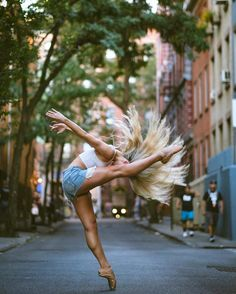 Dance Spirit Photo of the Day: Mykaila Symes (photo by Omar Z Robles Photography) Dance Life Quotes, Street Ballet, Yoga For Flexibility, Girl Dancing, Dancing Shoes, Tiny Dancer, Dance Photos, Dance Art, Dance Photography