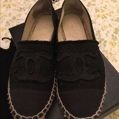 Chanel espadrilles NOIR preloved Black noir . Very hard to find . Bought from neiman with box  size 37 OFFER ME tRU ️️ CHANEL Shoes Espadrilles