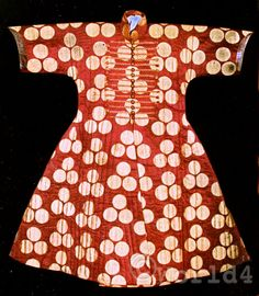 traditional turkish silk kaftan. (15th-16th century)