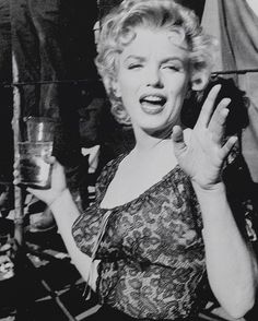 Marilyn on the set of Bus Stop, 1956 #MarilynMonroe