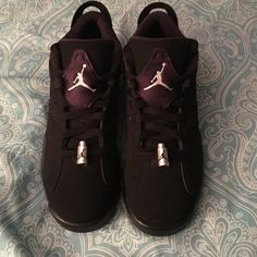 Jordan Retro 6 BRAND NEW My boyfriend bought these for me but they're a size too big so I've never worn them....size 6y...he put them in a gift bag for me so I don't have the box...no trades MAKE OFFERS! Jordan Shoes Athletic Shoes
