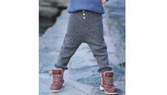 TØFF BUKSE: Her får du oppskriften på denne buksa. Knitting For Kids, Baby Knitting, Chrochet, Leg Warmers, Knitwear, Romper, Barn, Sweaters, Pants