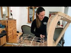 Handwerkskunst! Wie man einen Sessel polstert | SWR Fernsehen Laser Cut Aluminum, Banquette, Home Repair, Soft Furnishings, Diy Tutorial, Diy Furniture, House Design, Youtube, Projects